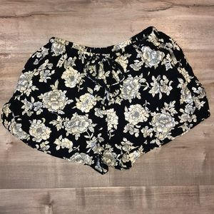 EUC Brandy Melville shorts women's OS